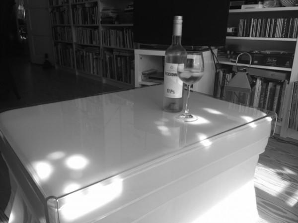 acrylglas hockertisch m bel glanz der spezialist f r acrylglasm bel. Black Bedroom Furniture Sets. Home Design Ideas